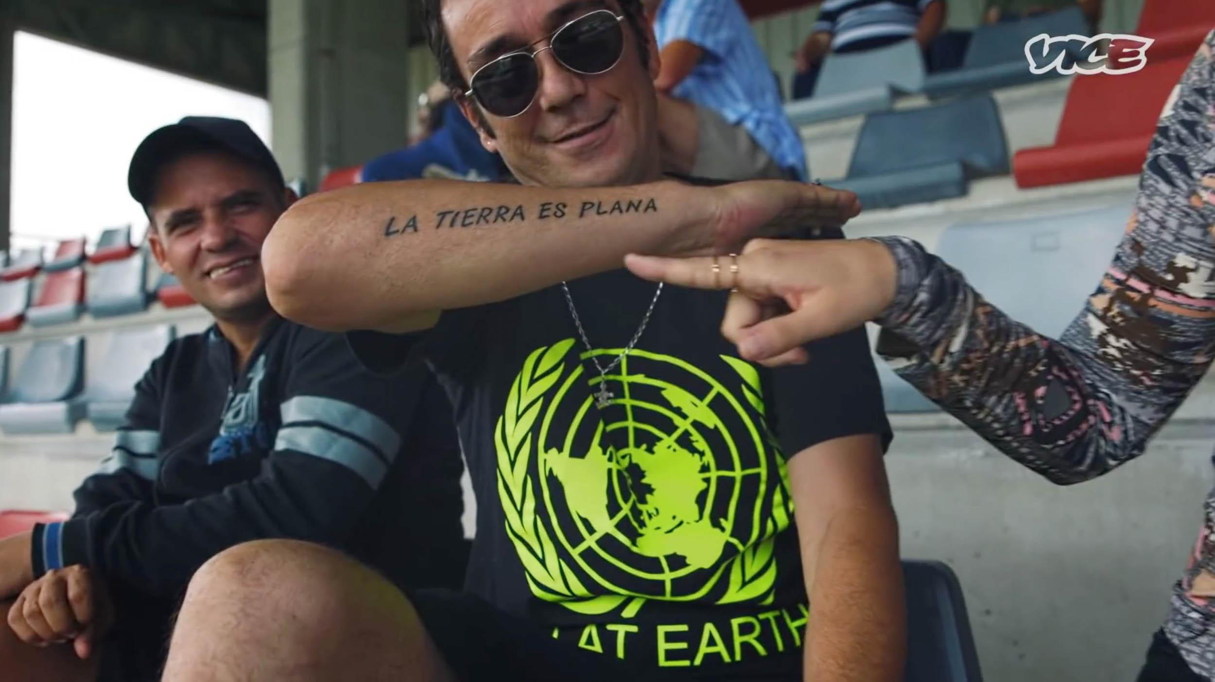 FLAT-EARTH-STILL-00.02.10